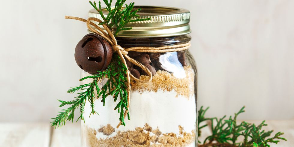 https://paintpower.net/wp-content/uploads/2018/11/mason-jar-christmas-crafts-1542305764.jpg